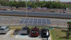 El Popular ofrece energía limpia a vehículos híbridos y eléctricos