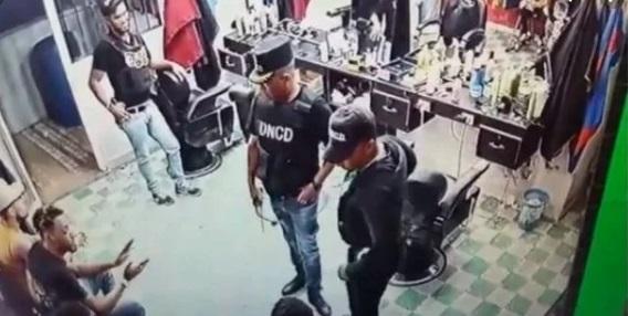 DNCD cancela agentes actuaron en el allanamiento a barbería