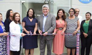 Director del FONPER inaugura centro de salud en Santiago