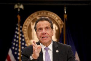 Gobernador NY propone juzgar tiroteos en masa como terrorismo