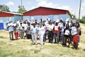 MONTE PLATA: INVI entrega 81 casas a familias pobres