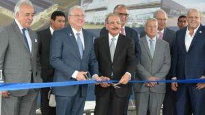 El Presidente asistió a inauguración en zona franca