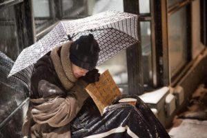 NY propone que sintecho ahorren para acceder a los albergues