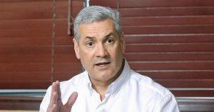 Gonzalo dice sería «retroceso» volver a conteo manual; pide respeto a JCE