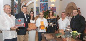 "Presentan en SD evento ""Humos de Lujo-Cigar Fashion Show"""