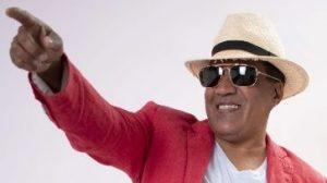 Merenguero Kinito Méndez celebrará los 30 años de su carrera
