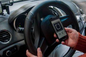 Choferes Uber realizan paro por alto porcentaje de la App