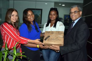BONAO: Ministerio de Educación reconoce a estudiantes de Zumbador