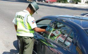 CNTT dice en Santiago hay personas con hasta 100 multas de tránsito