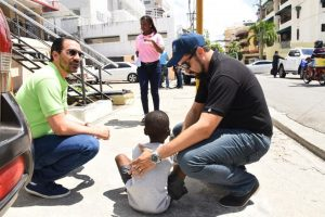 Autoridades realizan operativo para rescatar de calles menores indigentes