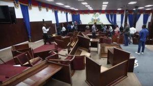 HAITI: Caos en el Senado deja al menos dos personas heridas