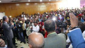 Dicen más de 100 mil choferes harán campaña a favor de L. Fernández