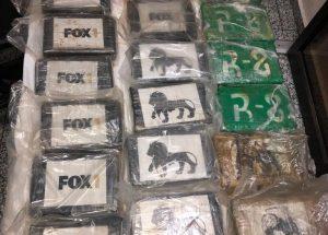 Decomisan 22 kilos de cocaína en el AILA; iban con destino a España