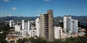 Bomberos de Santiago advierten no tienen acceso a los edificios altos