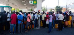 HAITI: Pese arribo de más de 258 mil barriles; sigue crisis de combustibles