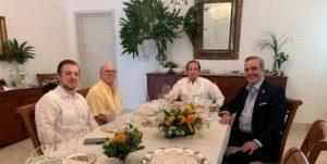 Hipólito Mejía y Luis Abinader tratan alianzas y primarias en casa de Paliza