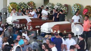 SFM: Cientos van a velatorio y sepelio de los cinco jóvenes accidentados