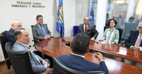 Pleno Junta Central Electoral se reúne con Leonel Fernández en Funglode