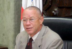 Profesor Izquierdo vaticina triunfo de Leonel Fernández