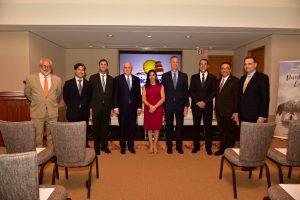 WASHINGTON: Delegación de RD se reúne con senador de EU