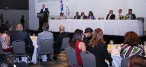 """Abinader: """"Dengue, la falta de agua y luz castigan a la Rep. Dominicana"""