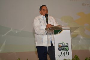 PUNTA CANA: IAD afilia 39 mil productores en cooperativas