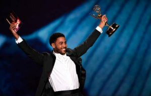 LOS ANGELES: Actor origen dominicano gana Emmy