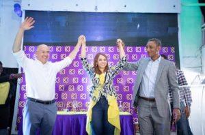 Domínguez Brito apoya aspiraciones de Karen Ricardo a alcaldía SDE