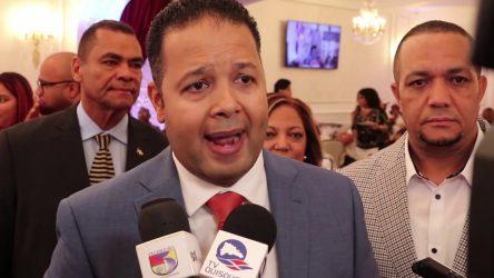 Empresario Norberto Rodríguez inscribe precandidatura diputado