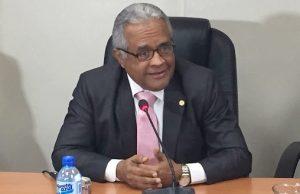 Ministro confirma hospitales RD están abarrotados; aclara no es por dengue
