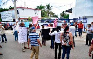En Las Palomas exigen el cierre de una fábrica de pintura