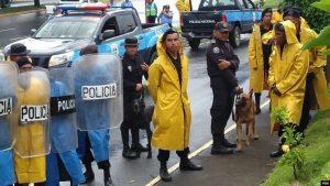 NICARAGUA: Policía reprime una marcha opositora