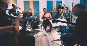 """Retro Jazz anuncia conciertos """"Con la Música Por Dentro"""""""