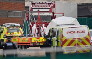LONDRES: Descubren 39 cadáveres en un camión en el Reino Unido