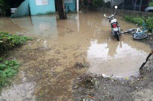 Lluvias causan daños en varias zonas de Navarrete y Villa González
