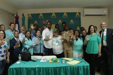 Alianza País concluye primera fase de elección de sus candidatos