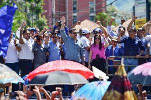 """HONDURAS; Presidente dice """"no pasarán"""" los que quieren expulsarlo"""