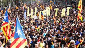 ESPAÑA: Miles de manifestantes llenaron de nuevo centro Barcelona