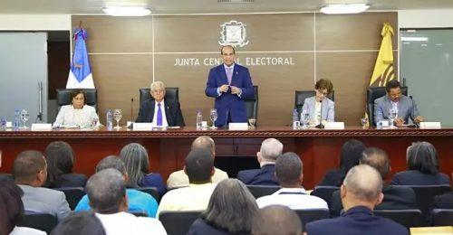 JCE admite candidatura presidencial exmandatario Fernández por el PTD