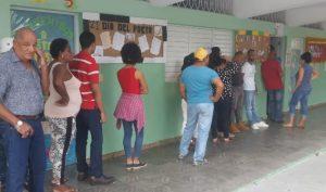 En Santiago renunciaron casi 100 funcionarios de mesas electorales