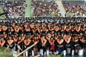 Universidad O&M gradúa 813 nuevos profesionales en Recinto SDE