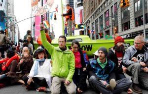 Arrestan a más de 50 personas protestaban por crisis climática