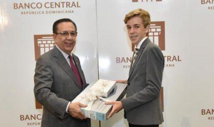 """Banco Central entrega los premios """"Máxima excelencia estudiantil 2019"""""""