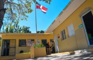 Padres de menor abusada por tres estudiantes en escuela exigen  justicia