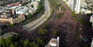 CHILE: Casi un millón de personas piden cambios sociales en gran mitin