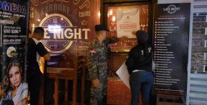 Cierran varios negocios por violar horario venta bebidas alcohólicas