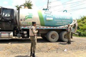 Medio Ambiente clausura compañía lanzaba excrementos a río Jacagua