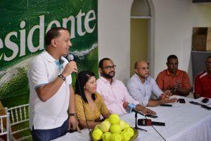 Torneo Empresarial de Softbol con 42 equipos en Cotuí