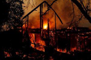 CALIFORNIA: Gobernador declara emergencia estatal por los incendios