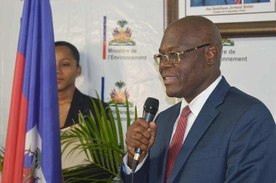 Haití cierra sus aeropuertos, puertos y frontera para frenar el Covid-19